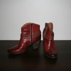 Sofft Red Stud leather ankle boot 7.5